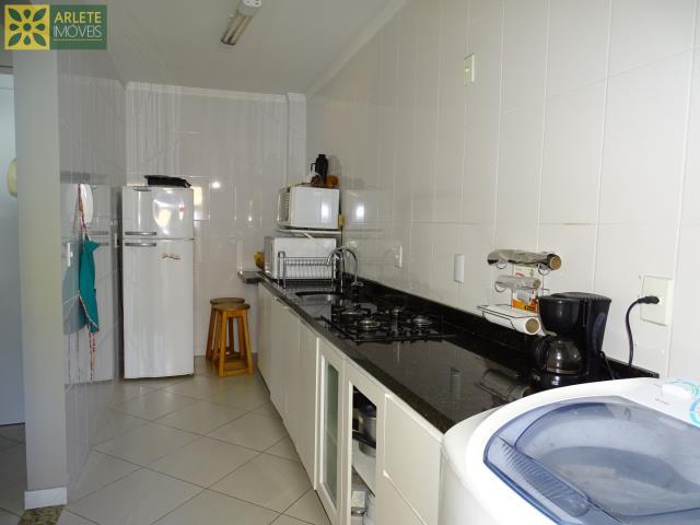 28 - cozinha e área de serviço