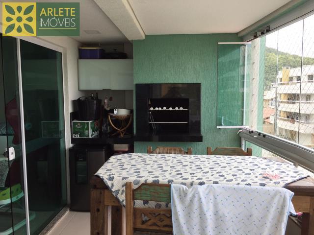 Apartamento Codigo 1353 para Temporada no bairro Bombas na cidade de Bombinhas