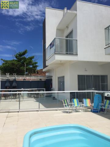 Casa Codigo 1364 a Venda no bairro-Perequê na cidade de Porto Belo