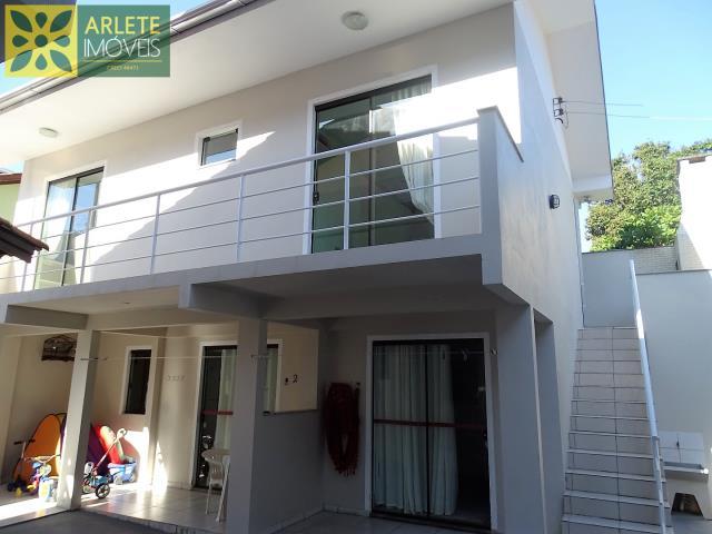 Casa Codigo 552 para Temporada no bairro Centro na cidade de Bombinhas
