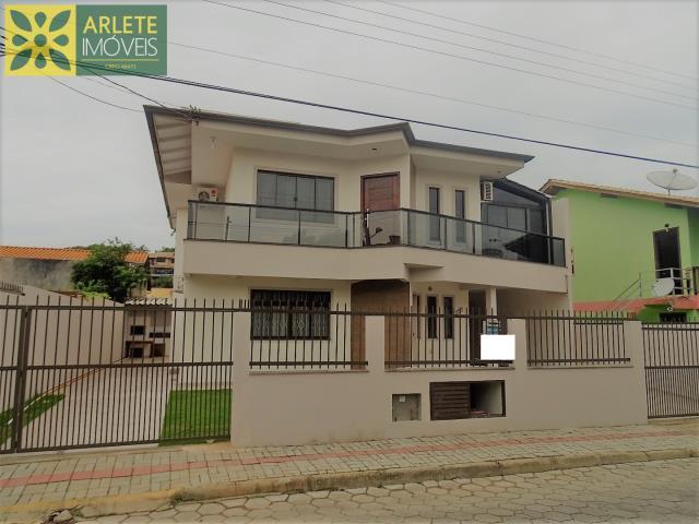 Casa Codigo 362 para Temporada no bairro Centro na cidade de Bombinhas