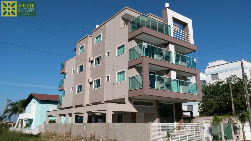 Apartamento Codigo 592 para Temporada no bairro Mariscal na cidade de Bombinhas