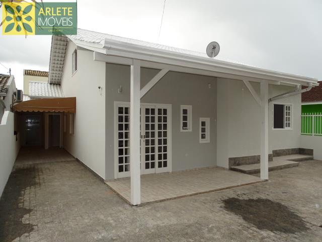 Casa Codigo 1415 a Venda no bairro-Vila Nova na cidade de Porto Belo