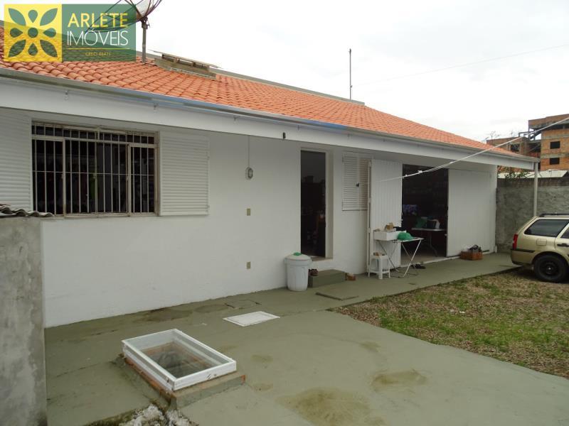 Casa Codigo 1416 a Venda no bairro-Canto Grande na cidade de Bombinhas