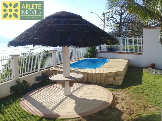 Casa Codigo 246 para Temporada no bairro Perequê na cidade de Porto Belo