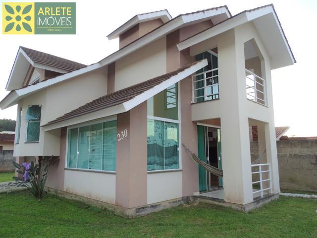 Casa Codigo 45 para Temporada no bairro Centro na cidade de Porto Belo