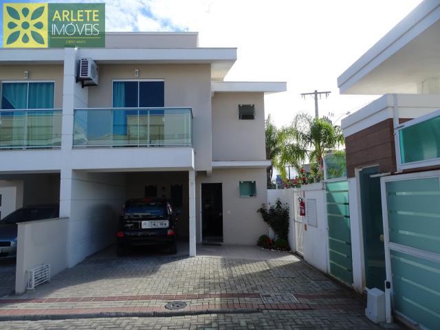 Casa Codigo 1437 a Venda no bairro-Perequê na cidade de Porto Belo