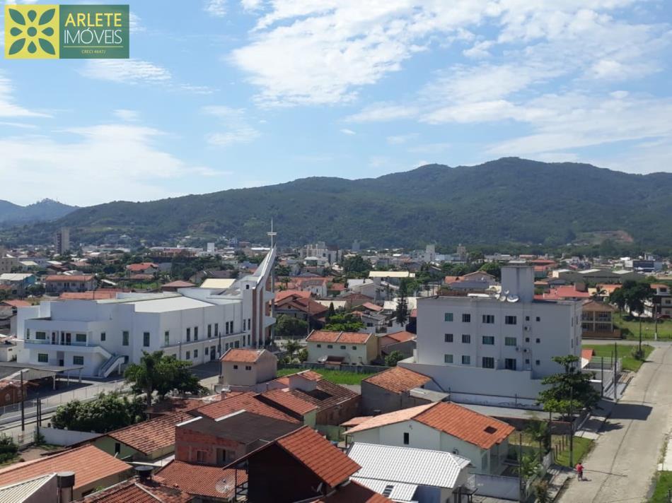 15 - Vista de apartamentos à venda no Perequê/Porto Belo/SC