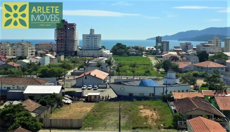 17 - Vista de apartamentos à venda no Perequê/Porto Belo/SC