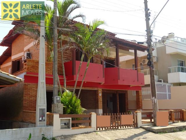 Casa Codigo 561 para Temporada no bairro Quatro Ilhas na cidade de Bombinhas
