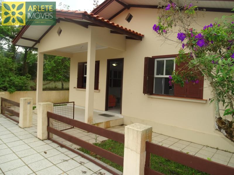 Casa Codigo 252 para Temporada no bairro Perequê na cidade de Porto Belo