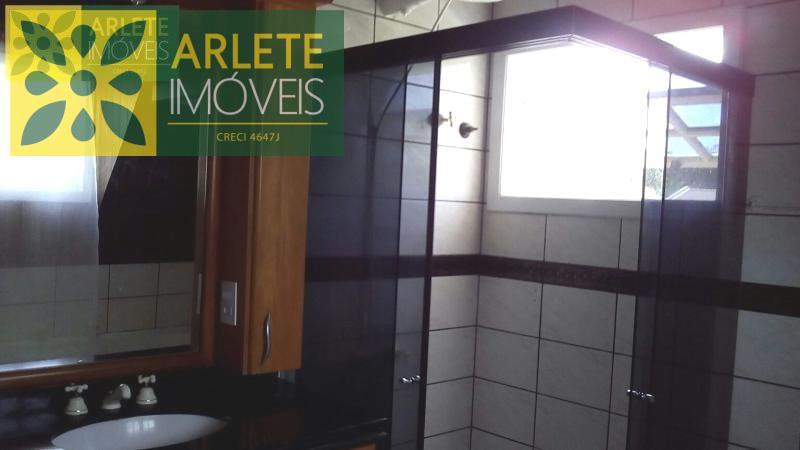 25 - banheiro casa locação porto belo