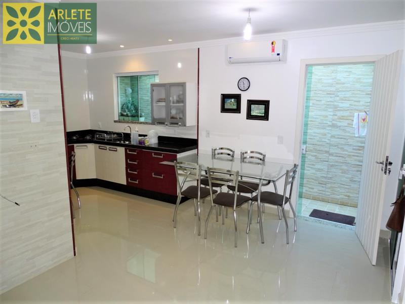 Casa Codigo 2091 a Venda no bairro-Centro na cidade de Porto Belo