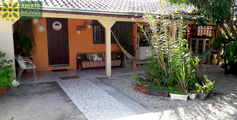 Casa Codigo 123 para Temporada no bairro Centro na cidade de Porto Belo