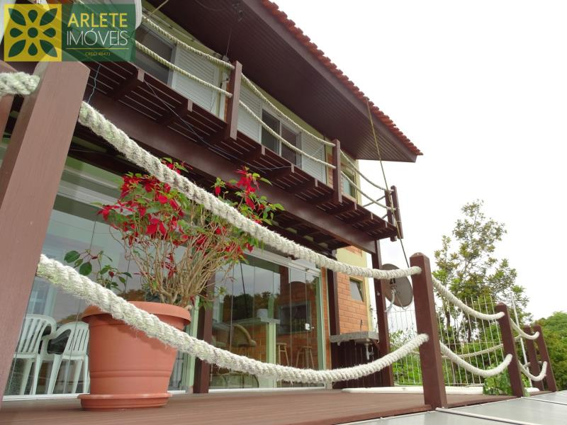 Casa Codigo 1481 a Venda no bairro-Centro na cidade de Porto Belo