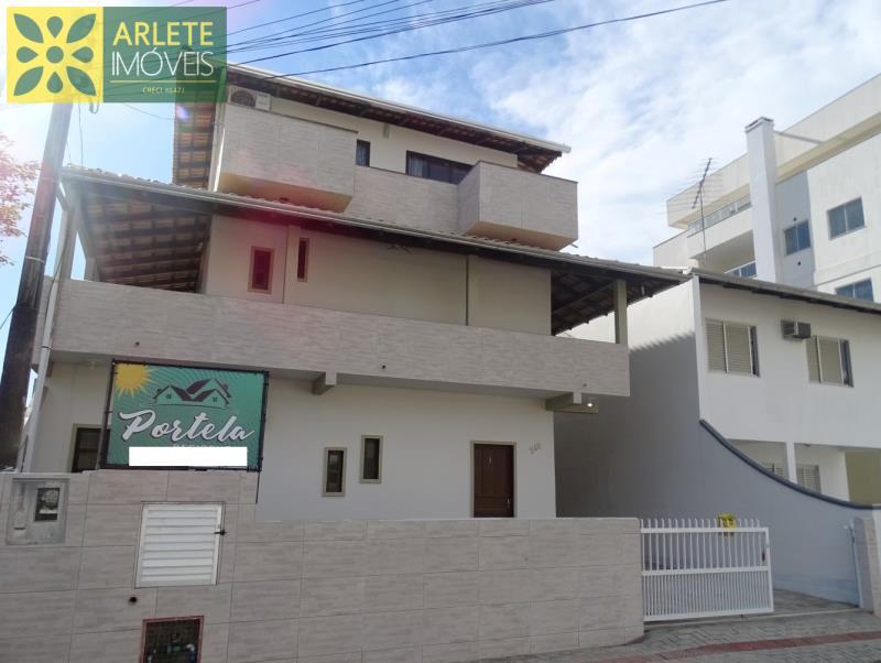 Apartamento Codigo 465 para Temporada no bairro Bombas na cidade de Bombinhas