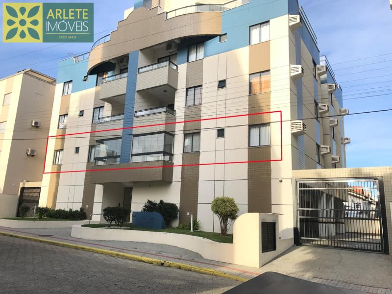 Apartamento Codigo 425 para Temporada no bairro Bombas na cidade de Bombinhas