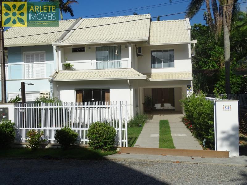 Casa-Codigo-1525-a-Venda-no-bairro-Centro-na-cidade-de-Porto-Belo