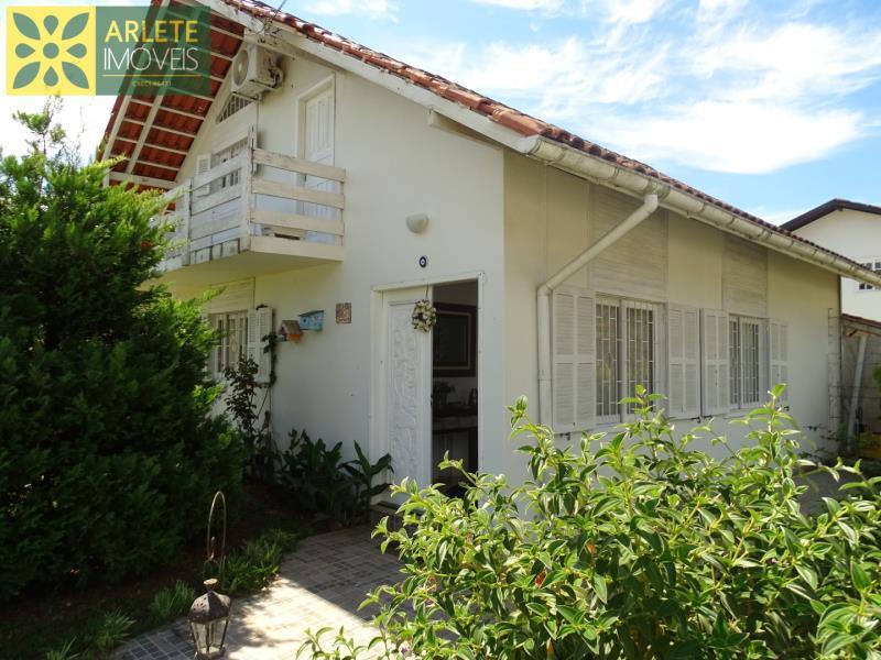 Casa Codigo 1527 a Venda no bairro-Centro na cidade de Porto Belo