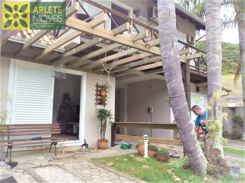 Casa Codigo 2134 para Temporada no bairro Bombas na cidade de Bombinhas