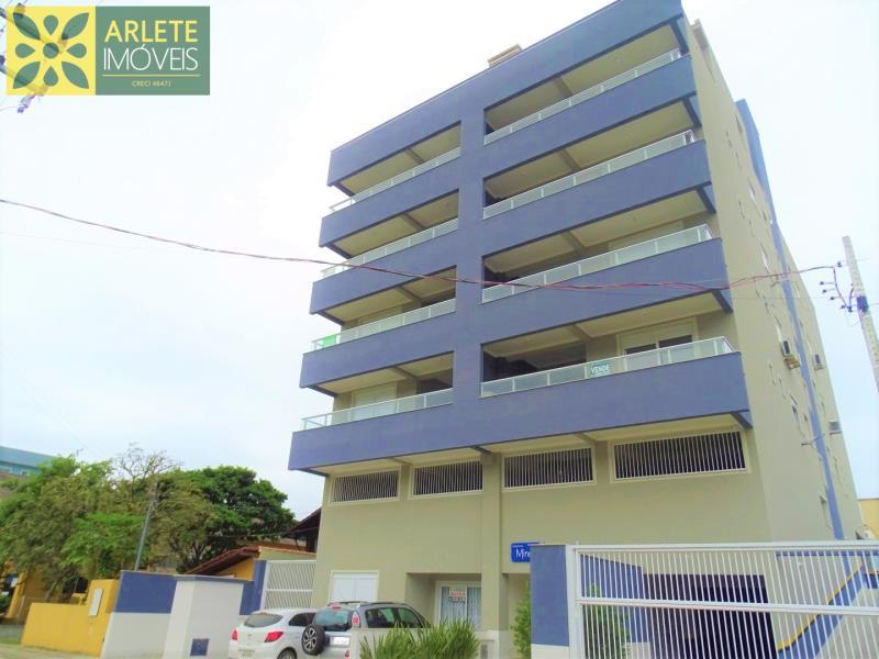 Apartamento Codigo 427 para Temporada no bairro Bombas na cidade de Bombinhas