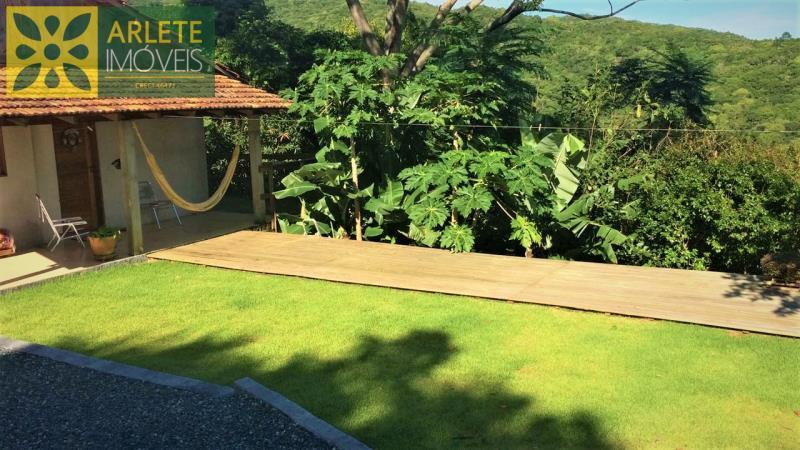 Casa Codigo 2135 a Venda no bairro-Centro na cidade de Porto Belo