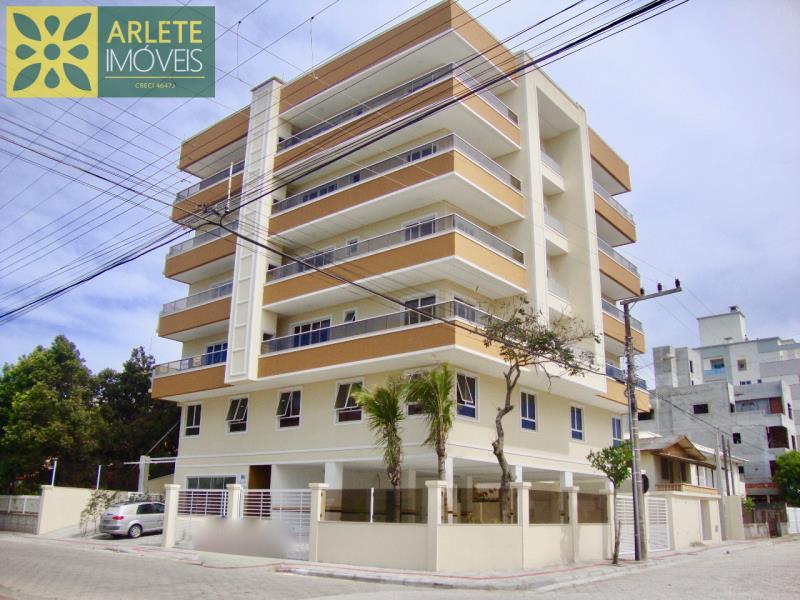Apartamento Codigo 1535 para Temporada no bairro Bombas na cidade de Bombinhas