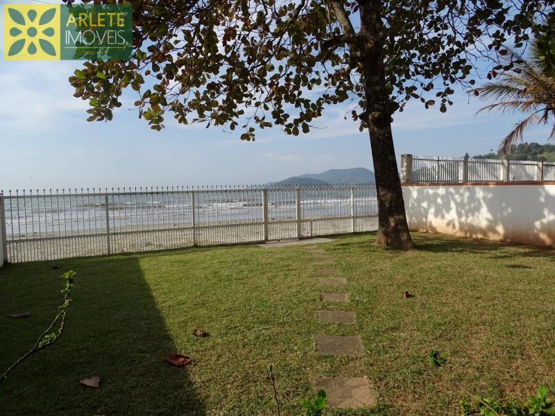 Casa Codigo 2160 a Venda no bairro-Perequê na cidade de Porto Belo