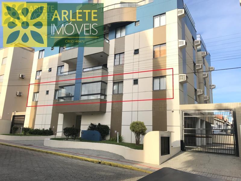 Apartamento Codigo 1501 para Temporada no bairro Bombas na cidade de Bombinhas