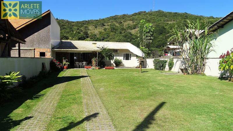 Casa-Codigo-100-a-Venda-no-bairro-Centro-na-cidade-de-Porto-Belo