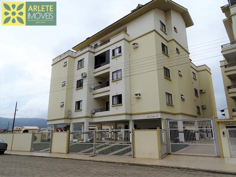 Apartamento Codigo 253 para Temporada no bairro Perequê na cidade de Porto Belo