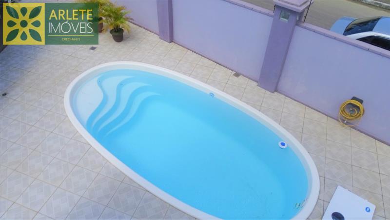 2 - piscina imóvel locação porto belo