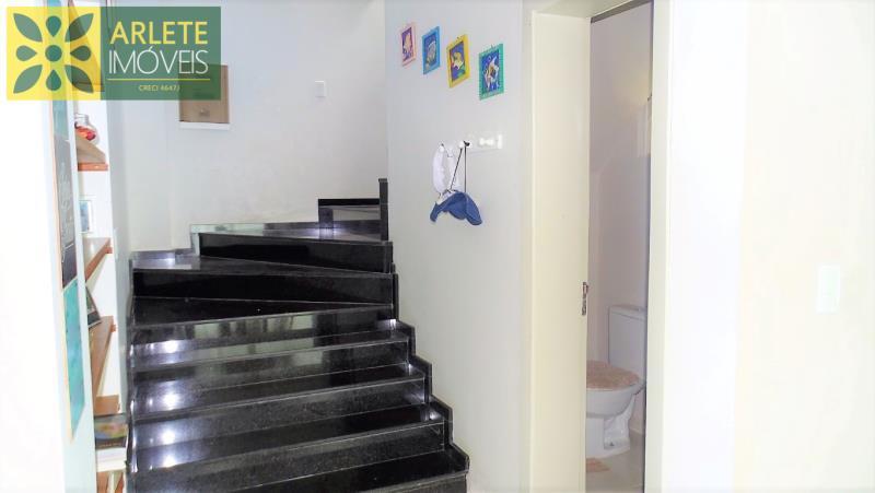 16 - escada imóvel locação porto belo