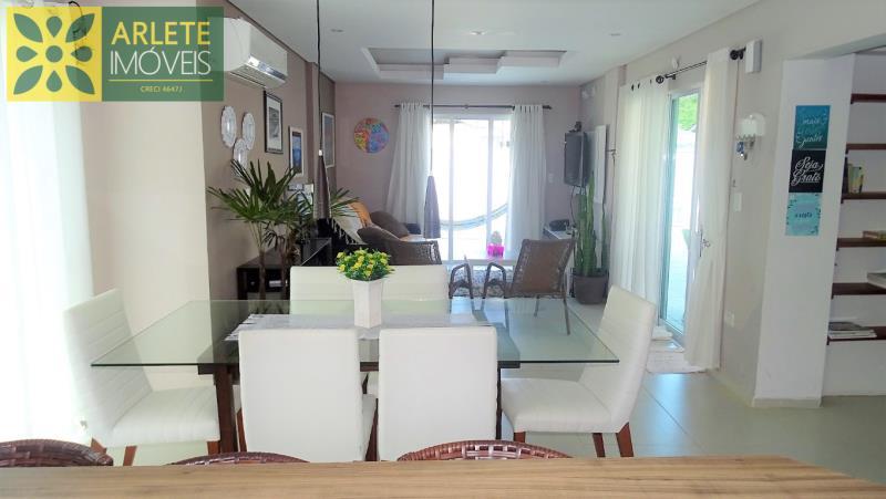 24 - sala de estar imóvel locação porto belo