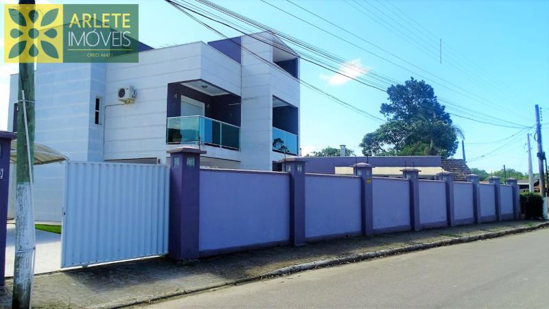 49 - fachada imóvel locação porto belo