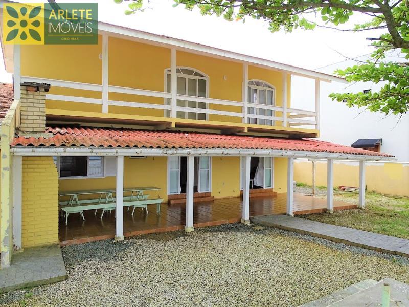 Casa Codigo 238 para Temporada no bairro Perequê na cidade de Porto Belo