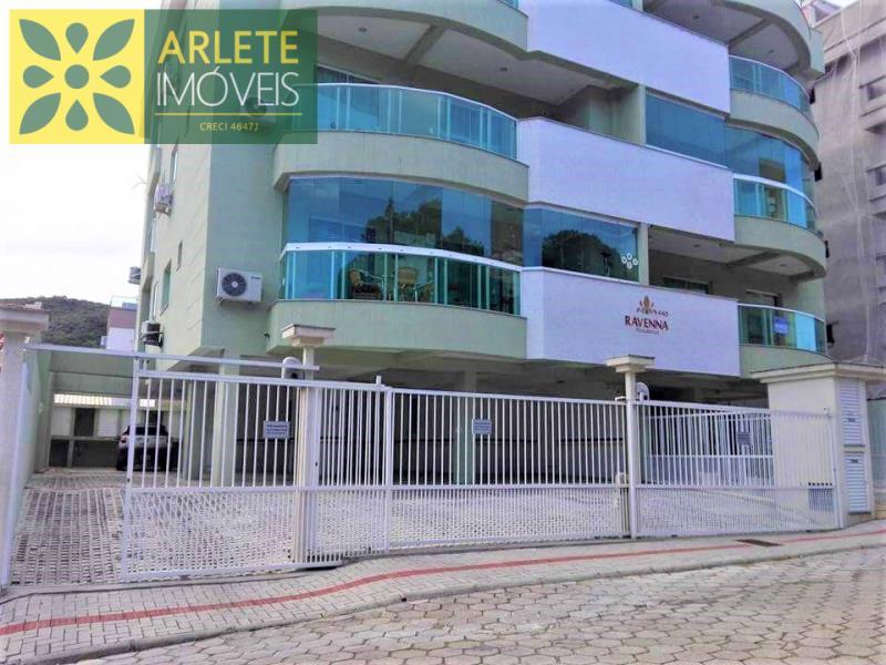 Apartamento Codigo 2208 para Temporada no bairro Bombas na cidade de Bombinhas