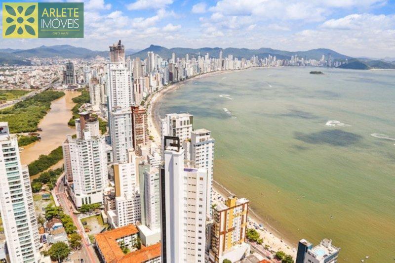 Apartamento Codigo 1601 para Temporada no bairro Centro na cidade de Balneário Camboriú