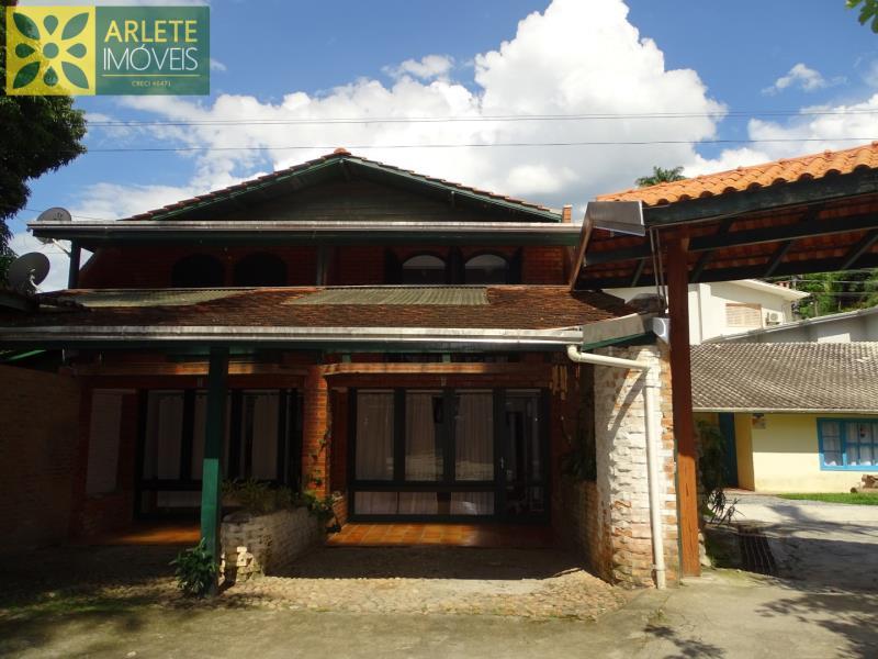 Casa Codigo 184 para Temporada no bairro Centro na cidade de Porto Belo