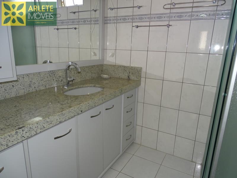 7 - banheiro social casa beira mar locação centro porto belo