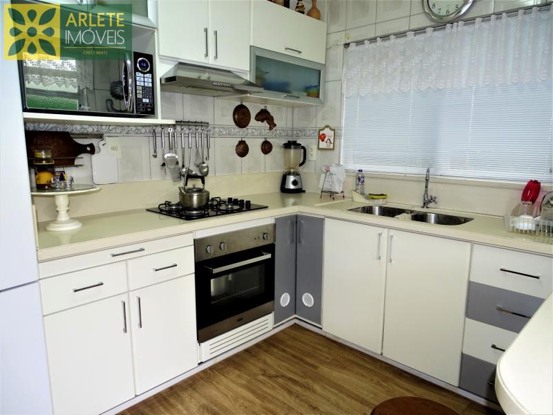 16 - cozinha casa beira mar locação centro porto belo