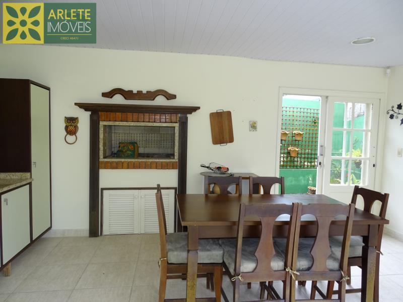 21 - área de churrasqueira casa beira mar locação centro porto belo