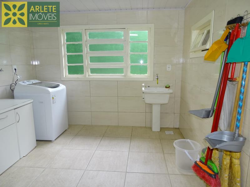 25 - área de serviço casa beira mar locação centro porto belo