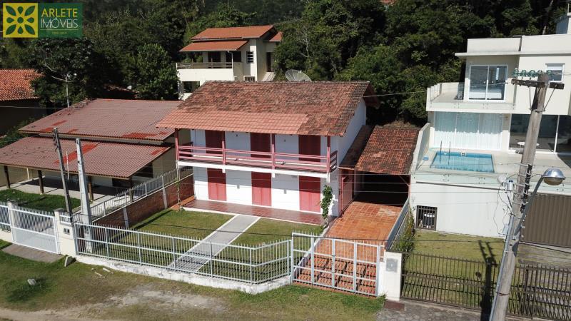 Casa Codigo 1623 a Venda no bairro-Centro na cidade de Porto Belo