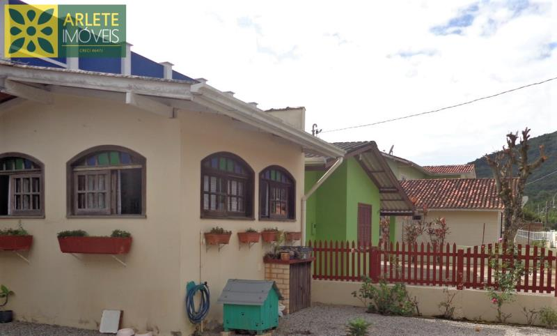 Código 1668 - Casa