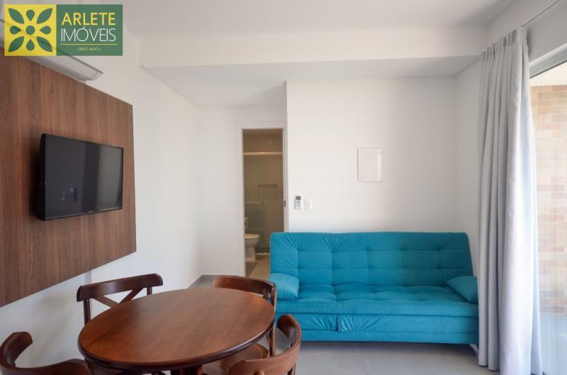 2 - sala de estar apartamento locação mariscal