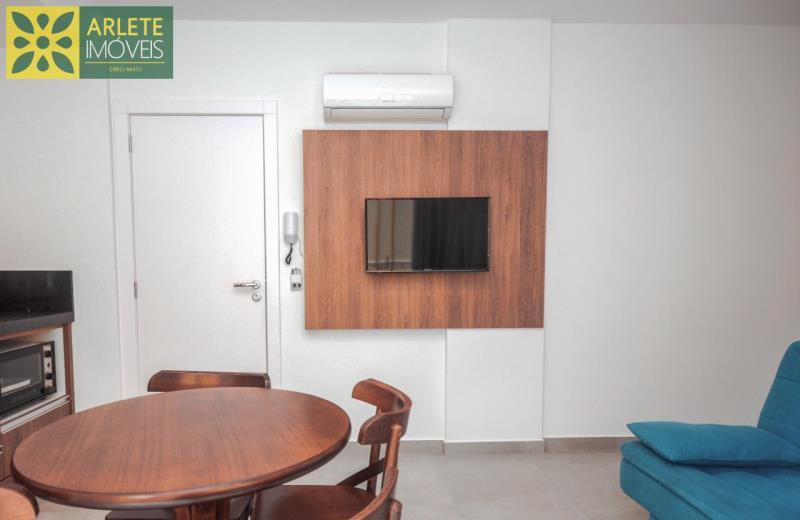 3 - sala de estar apartamento locação mariscal