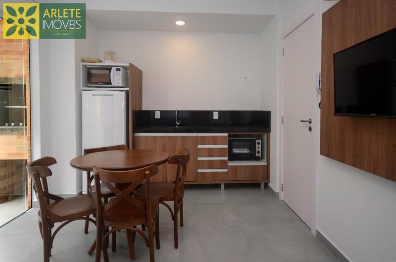 6 - cozinha apartamento locação mariscal