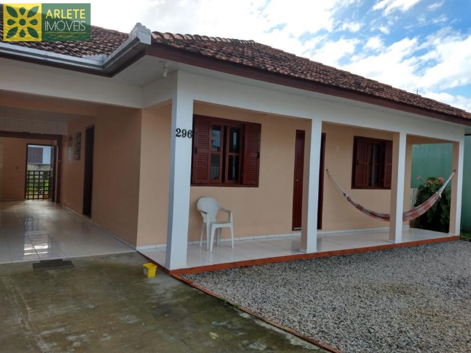 Casa Codigo 1680 a Venda no bairro-Perequê na cidade de Porto Belo