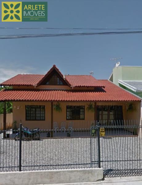 Casa Codigo 1699 a Venda no bairro-Morrinhos na cidade de Bombinhas